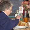 Przekonaj się, jakie czynniki fizyczne mają wpływ na dietę seniora!